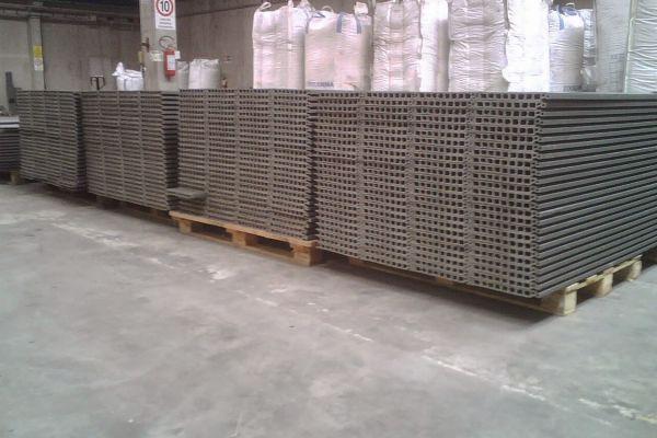 materiale-eterogeneoD39FDBFE-F960-8171-1161-02AFEB1E8AE1.jpg